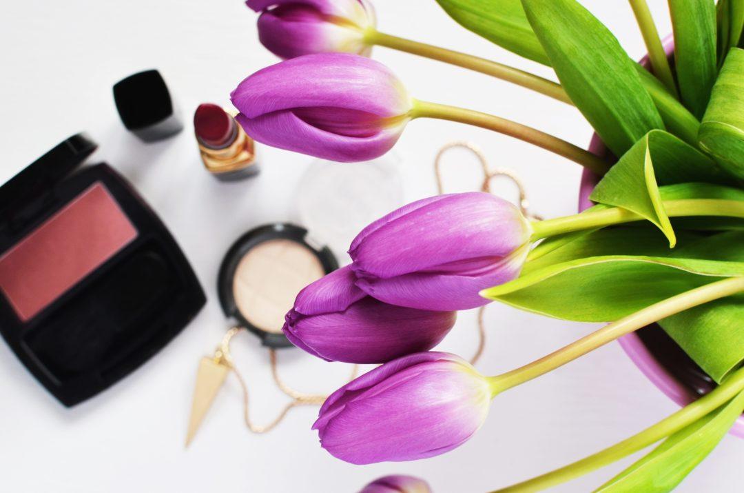 minimal makeup kit